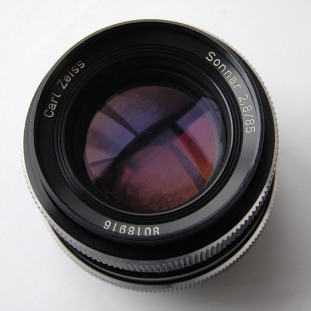 Carl Zeiss Sonnar 85mm f/2.8