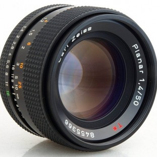 Carl Zeiss Planar T* 50mm f/1.4 C/Y